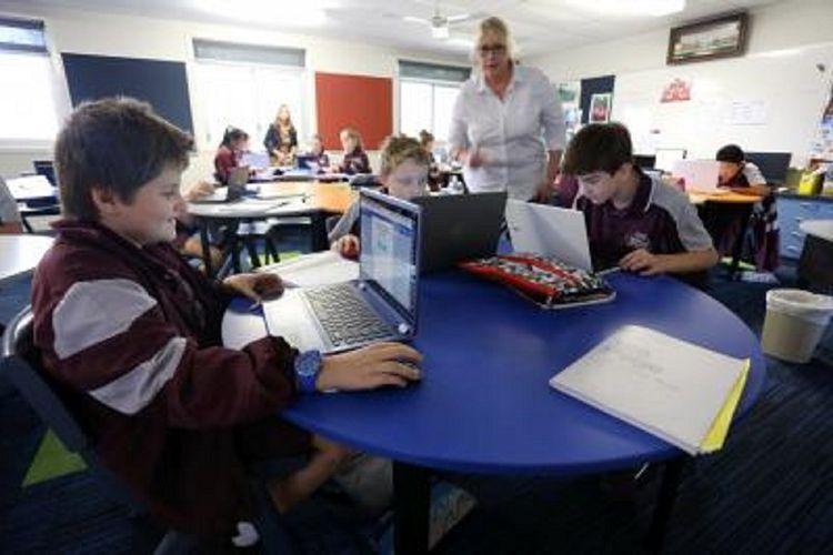 Siswa Sekolah Menengah Browns Plains, Brisbane, Australia, mempelajari bahasa Indonesia, beberapa waktu lalu. Browns Plains memiliki jaringan kerja sama dengan sekolah di Indonesia untuk meng embangkan program pengenalan budaya antarbangsa.