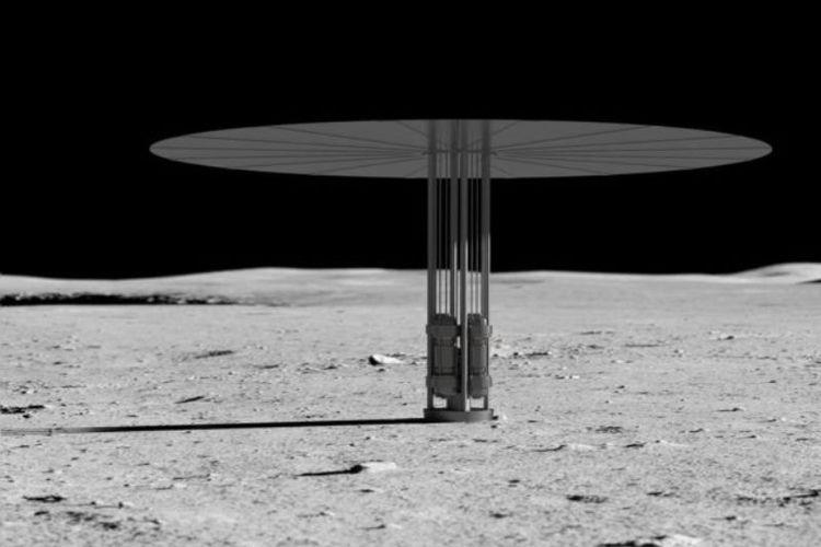 Ilustrasi NASA menunjukkan reaktor Kilopower dan radiatornya di bulan.