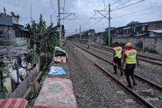 Korban Banjir yang Mengungsi di Rel Kereta Taman Kota Sudah Kembali ke Rumah