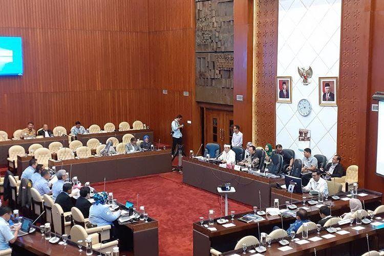 Rapat Dengar Pendapat (RDP) KKP bersama Komisi IV DPR RI membahas pergeseran anggaran untuk budidaya di Jakarta, Senin (24/2/2020).