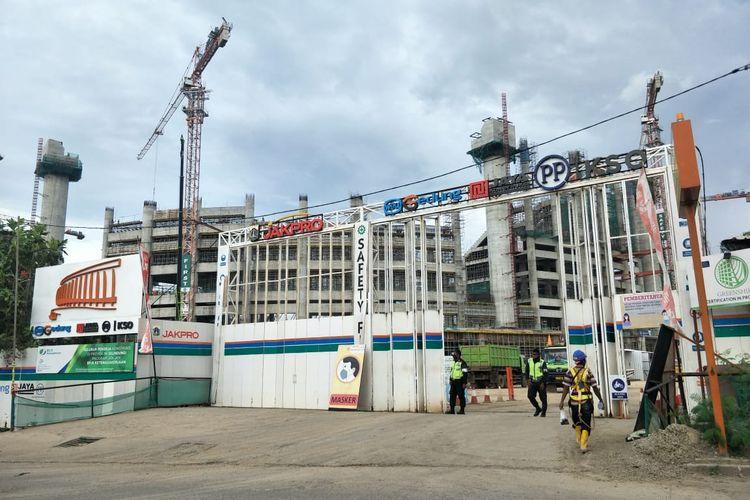 Proyek pembangunan Jakarta International Stadium atau Stadion Bersih, Manusiawi dan Wibawa (BMW) di kawasan Papanggo, Tanjung Priok, Jakarta Utara, Selasa (15/12/2020).