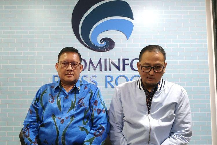 Managing Director Lion Air Group Daniel Putut Kuncoro Adi (kiri) memberikan penjelasan Terkait adanya dugaan kebocoran data penumpang Malindo Air di Gedung Kementerian Kominfo, Jakarta, Kamis (19/9/2019).