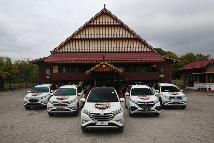 Rombongan Daihatsu Terios 7 Wonders kunjungi rumah adat di Kolaka