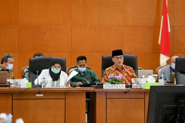 Komisi VIII DPR RI menggelar rapat dengar pendapat (RPD) dengan Kemensos Masa Persidangan V Tahun Sidang 2020-2021 di Bogor, Rabu (9/6/2021).