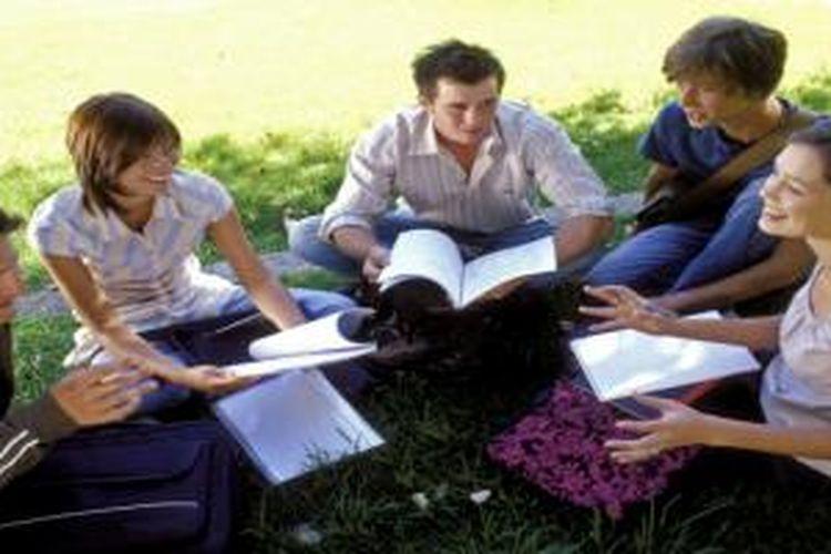 SEAMEO RELC terbuka bagi pengajar dan tenaga ahli bahasa, seperti dosen, guru, pekerja swasta, serta pegawai negeri bidang terkait.