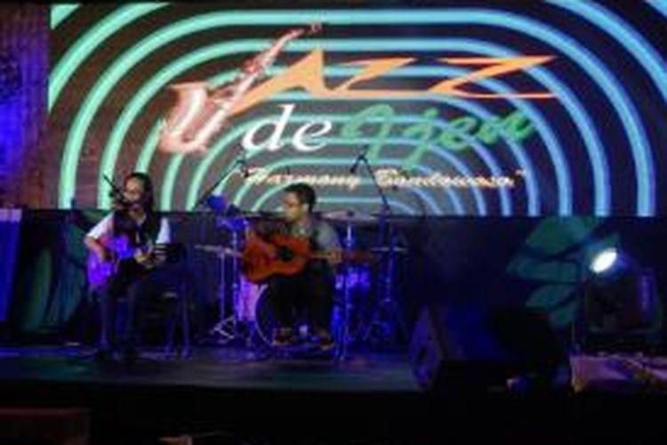 Dian Pramana Putra tampil di Jazz de Ijen yang digelar Sabtu (15/11/2014) di Perkebunan Jampit, Kabupaten Bondowoso, Jawa Timur.