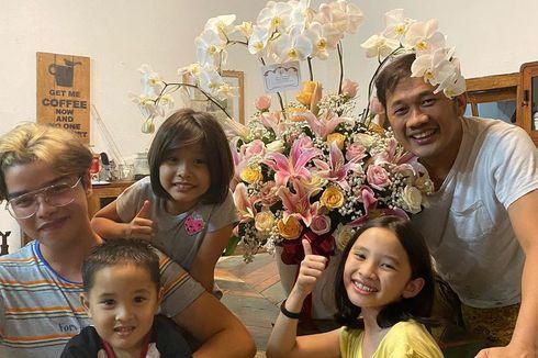 Kesenangan Hanung Bramantyo Pulang ke Rumah Dapat Kejutan dari Presiden Joko Widodo