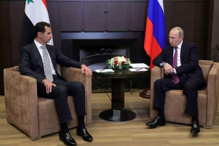 Presiden Suriah Bashar al-Assad bertemu dengan Presiden Rusia Vladimir Putin di kota Sochi, Senin (20/11/2017).