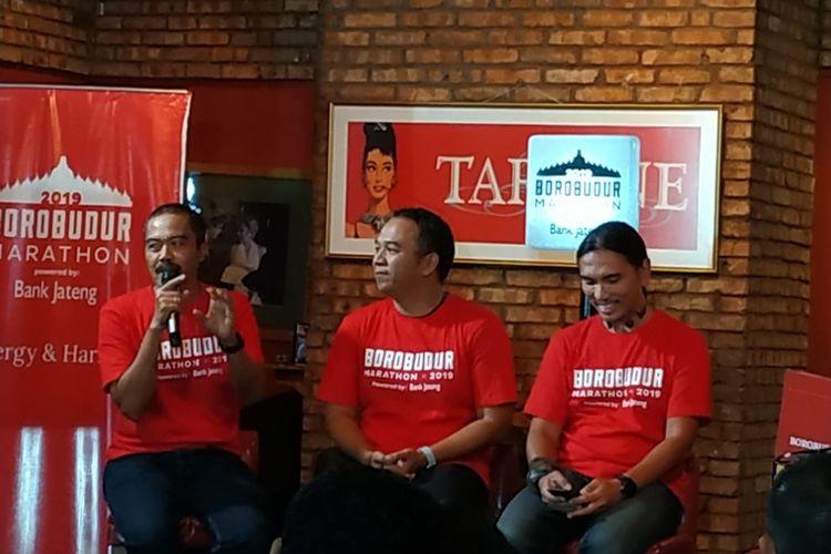 Kegiatan Borobudur Marathon Radio Live Tour yang diadakan di FX Sudirman, Jakarta, pada Selasa (14/5/2019), menghadirkan Agus Hermawan (kiri), dr Andi Kurniawan (tengah), dan Riefa Istamar sebagai narasumber.