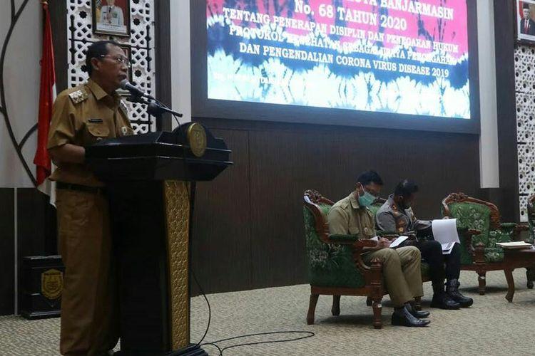 Plt Wali Kota Banjarmasin, Hermansyah menyampaikan Kota Banjarmasin terbebas dari zona merah, Selasa (27/10/2020).