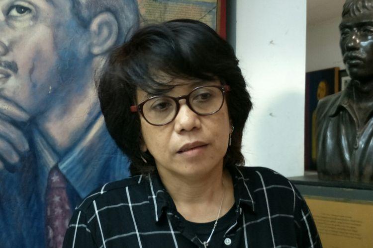 Istri aktivis Hak Asasi Manusia (HAM) almarhum Munir Said Thalib, Suciwati ketika ditemui di Kantor Komisi untuk Orang Hilang dan Korban Tindak Kekerasan (Kontras), Jakarta, Kamis (26/4/2018).