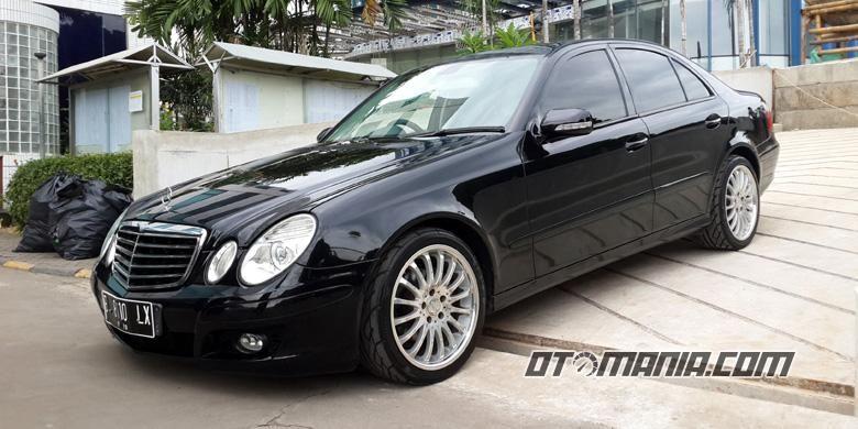 Penggantian pelek Mercedes-Benz eks taksi, sudah cukup untuk membuatnya naik kelas.