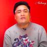 Kisah Merry, dari Tukang Sate Keliling hingga Jadi Asisten Raffi Ahmad