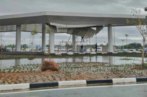 Perbaikan Plafon Bandara Syamsuddin Noor yang Roboh 2 Minggu Usai Diresmikan Dikebut