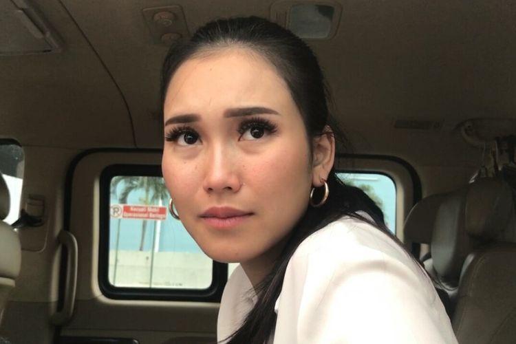 Pedangdut Ayu Ting Ting saat ditemui di salah satu stasiun televisi swasta di kawasan Mampang, Jakarta Selatan, Jumat (17/5/2019).