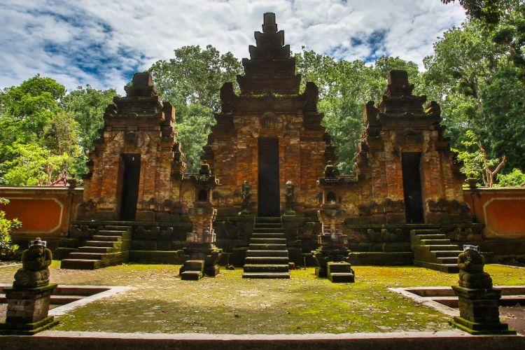 Salah satu situs bersejarah di Taman Nasional Alas Purwo, Kabupaten Banyuwangi, Jawa Timur.
