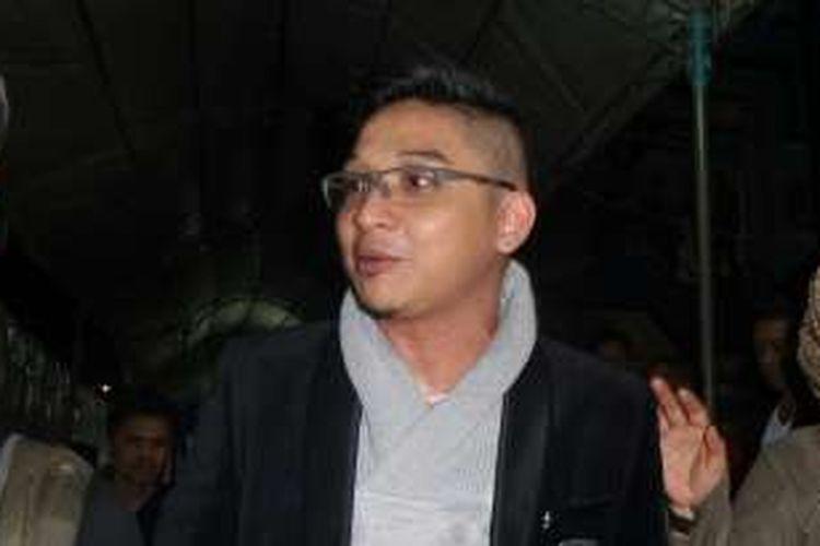 Pasha Ungu saat diabadikan di studio Emtek SCTV, Daan Mogot, Jakarta Barat, Kamis (28/4/2016).