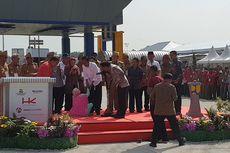 Terobos Pengamanan, Ibu Ini Naik ke Panggung Jokowi Curhat soal Lahan
