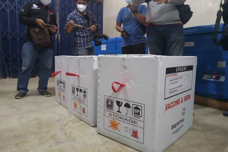 Vaksin Covid-19 yang dikirim dari Surabaya sudah tiba di Jember pada Selasa (26/1/2021)