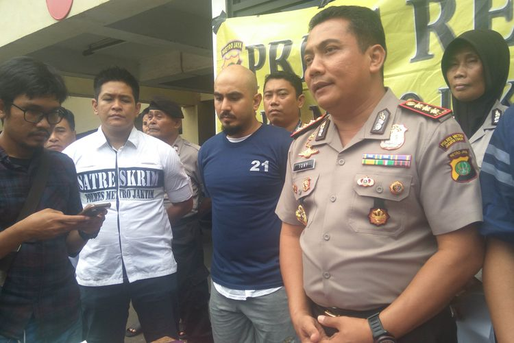 Tersangka yang melawan petugas di jalur transjakarta ditangkap dan positif gunakan narkoba, Rabu (24/1/2018)
