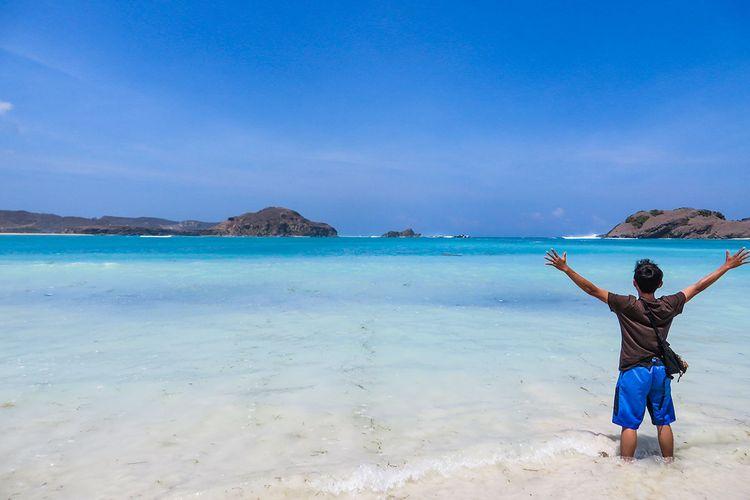 Pantai Tanjung Aan di Lombok.