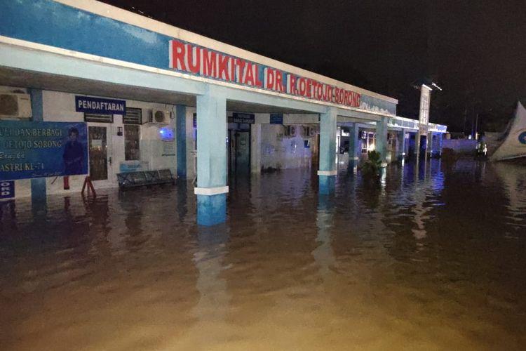 RSAL Oetojo diterjang Banjir, sejumlah Pasien di evakuaai