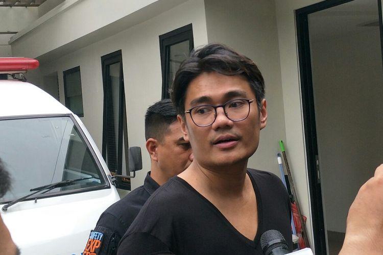 Doddy, manajer BCL saat di kediaman BCL, kawasan Pejaten Barat, Jakarta Selatan, Selasa (18/2/2020).