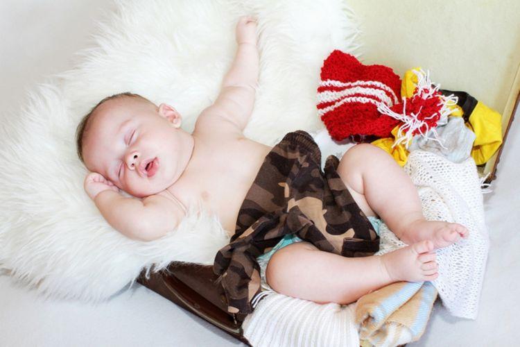 ilustrasi bayi tidur