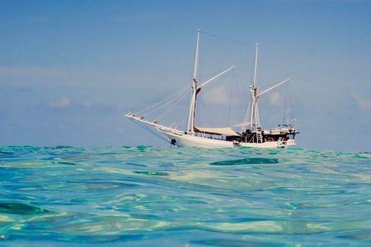 Suku Bugis adalah masyarakat pelaut yang pengaruhnya telah menyebar ke seluruh Indonesia dan Kepulauan Melayu.