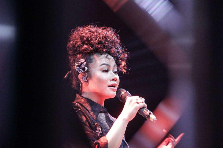 Yura Yunita menggelar an intimate konser di  m bloc Space, Kebayoran, Jakarta  Rabu (29/1/2020). Yura Yunita membawakan lagu Berawal Dari Tatap