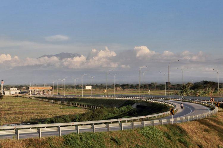 Jalan Tol Solo-Ngawi.