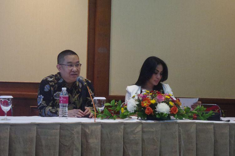 Pengacara Tommy Soeharto, Erwin Kallo, dalam jumpa pers di Gedung Granadi Jakarta, Kamis (5/10/2017).