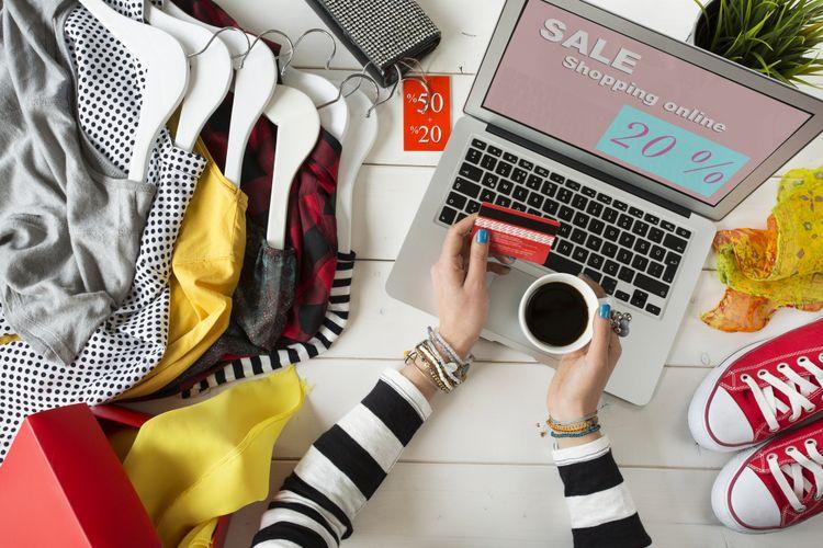 Ilustrasi belanja pakaian online