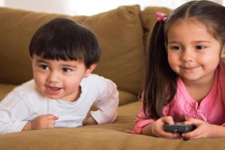 Kebiasaan menonton televisi dan film kartun bisa pengaruhi kemampuan anak dalam berkonsentrasi saat usia mereka tujuh tahun.