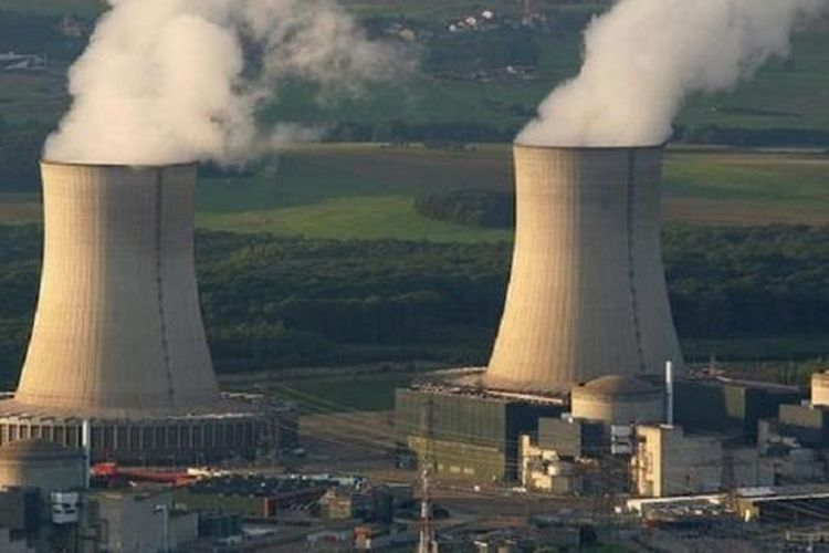 Ilustrasi: Pembangkit listrik tenaga nuklir di  Cattenom, Perancis bagian timur.