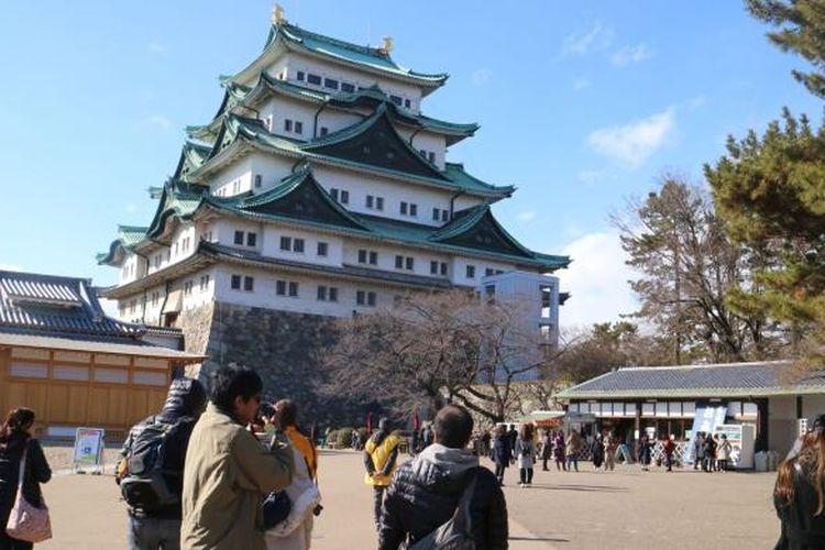 Istana Nagoya di Prefektur Aichi, Jepang, salah satu destinasi wisata sejarah yang banyak dikunjungi wisatawan baik domestik maupun mancanegara. Foto diambil pada Senin (13/2/2017) lalu.