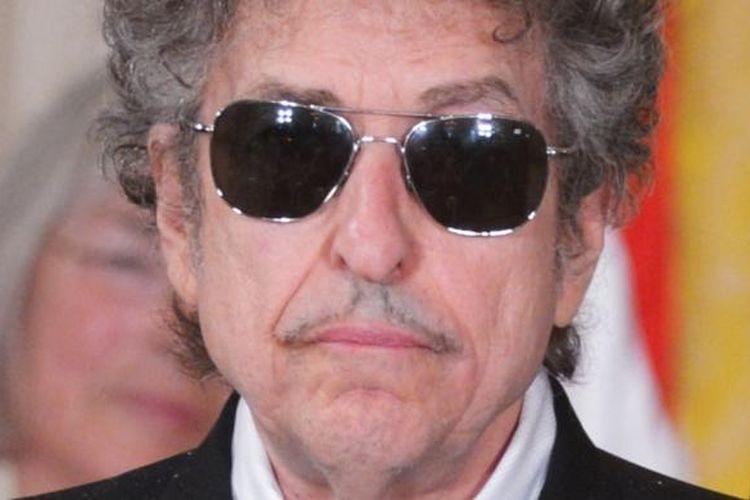 Bob Dylan hadir untuk dianugerahi Presidential Medal of Freedom di Gedung Putih, Wahington DC (AS), 29 Mei 2012.