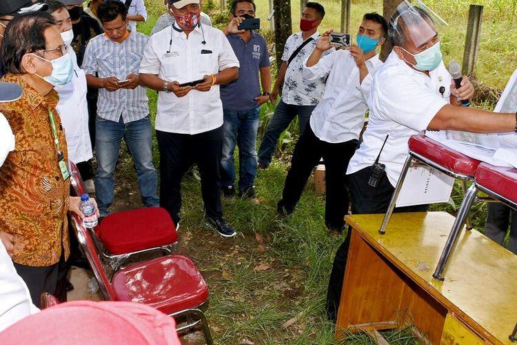 Gubernur Sumut Edy Rahmayadi bersama Menteri ATR Sofyan Djalil meninjau lokasi pembangunan sport centre di Desa Sena, Kecamatan Batangkuis, Kabupaten Deliserdang, Rabu (29/7/2020)