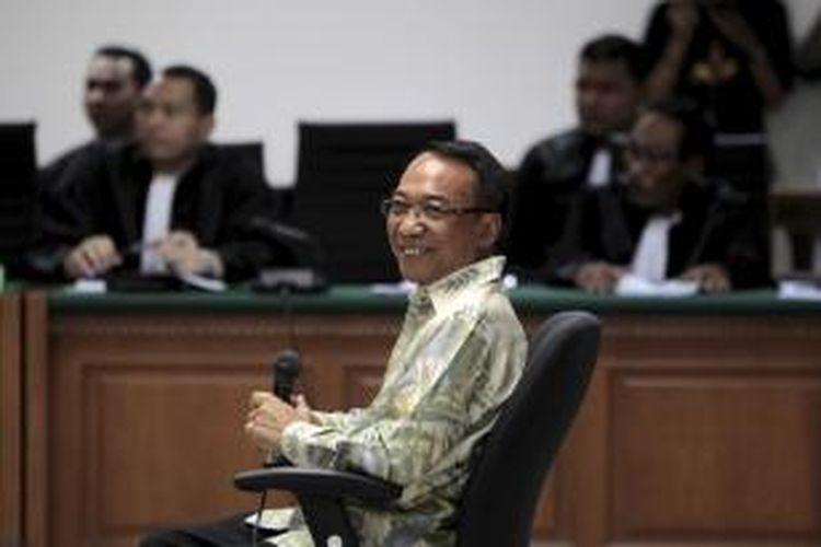 Mantan Menteri Energi dan Sumber Daya Mineral (ESDM), Jero Wacik, menjalani sidang perdana di Pengadilan Tindak Pidana Korupsi, Jakarta, Selasa (22/9/2015).