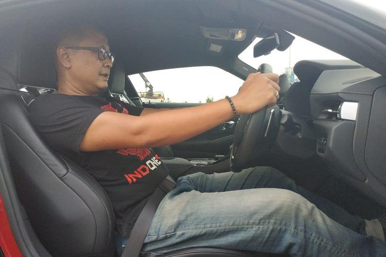 Posisi duduk Toyota Supra 2019 yang mantap dapat ditemukan dengan trik khusus