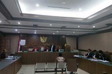 Hakim PN Jakpus Tegur Aktivis Papua yang Kenakan Koteka Saat Sidang