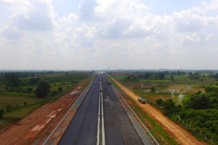 Pengerjaan tol Palembang- Lampung ditargetkan akan di fungsional pada 2019 mendatang. Tol ini diklaim mampu memangkas perjalanan hingga 6-8 jam.
