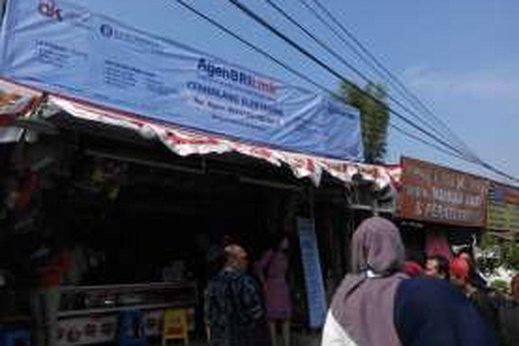 Agen Laku Pandai BRILink Cemerlang Elektronik di Bogor, Rabu (31/8/2016).