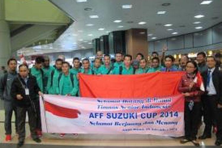 Rombongan tim nasional Indonesia tiba di Hanoi, Selasa (18/11/2014).