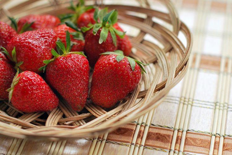 Ilustrasi strawberry segar.