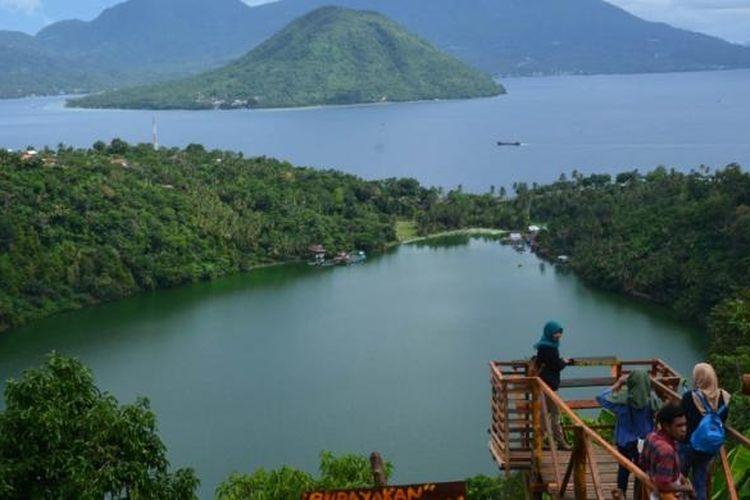 Pesona panorama alam Danau Laguna di Kota Ternate, Maluku Utara.