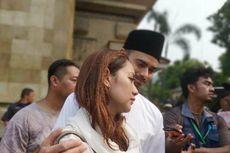 Menangis di Pemakaman, BCL Masih Tak Percaya Habibie Meninggal Dunia
