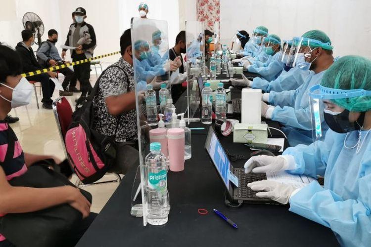 Sentra vaksinasi yang dibangun oleh Sinar Mas Land bersama Dinas Kesehatan di sejumlah tempat.
