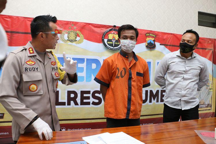 Ungkap kasus pengedaran pil hexymer atau pil koplo di Mapolres Kebumen, Jawa Tengah, Kamis (15/10/2020).