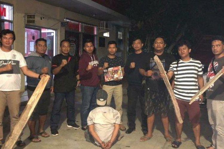 Polisi berhasil menangkap satu dari delapan pelaku begal yang beraksi di ruas jalan tol Lampung